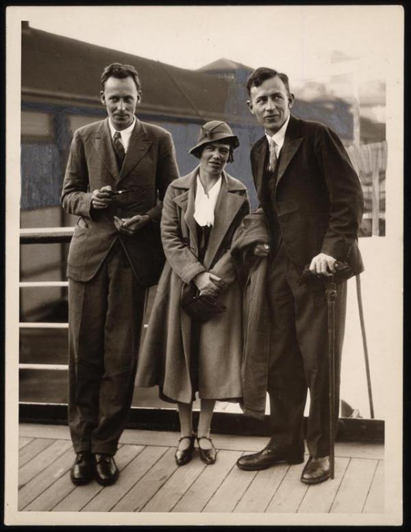 This July 1933 photo shows [left to right] anthropologist Gregory Bateson with Margaret Mead and Reo Fortune, all of whom had just arrived in Sydney, Australia, from their New Guinea fieldwork