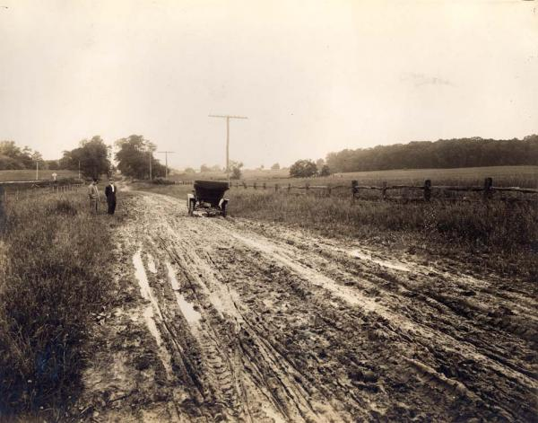 Pinchot Road before the paving.
