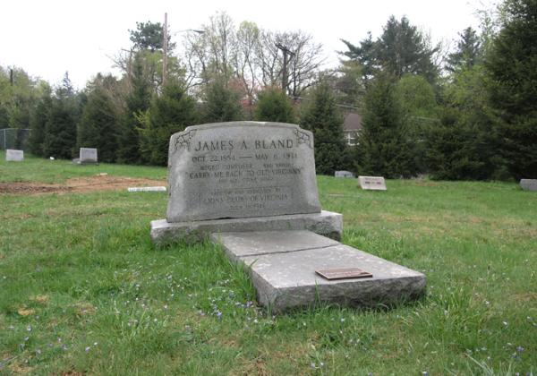 Photograph of the grave stone.