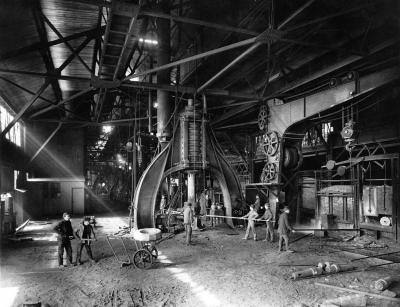 Steam hammer used for forging steel at the Midvale Steel Company, c. 1905.